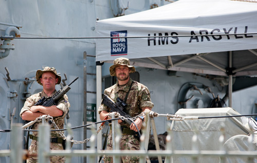 Shipping: Frigate crew enjoy some R&R
