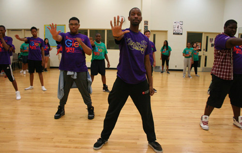Guidance: Bermudian choreographer Eric Bean, front, has been leading dance classes. *Photo by Sarah Lagan