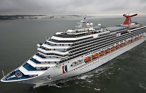 Cruise ship diverts to Bermuda to avoid hurricane